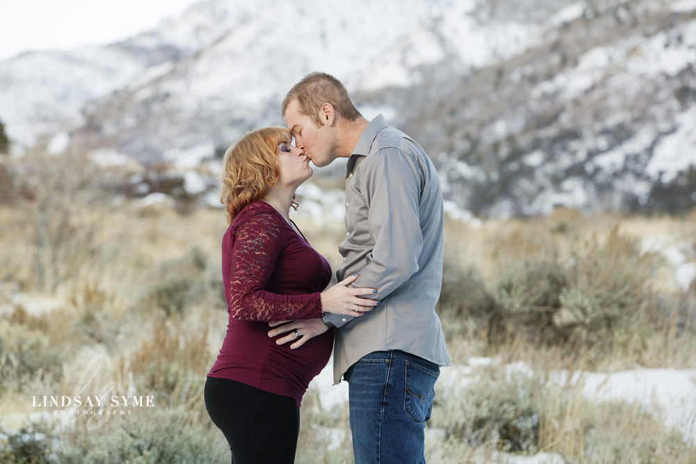 Maternity Photos by Elko Photographer Lindsay Syme
