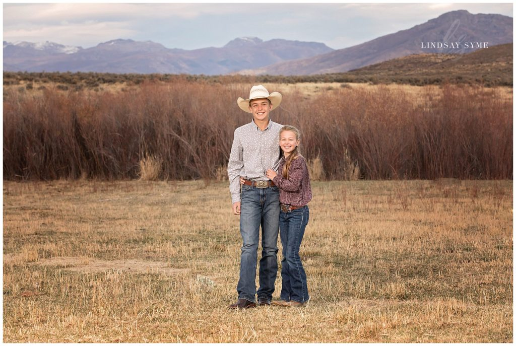 Outdoor Sibling Portraits by Lindsay Syme Photography